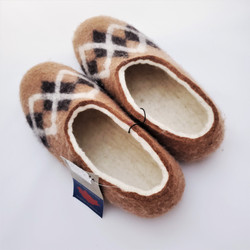Fair trade felted wool slipper with suede cloth bottom from Mongolia