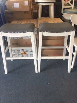 SET OF 2 24INCH COUNTER HEIGHT STOOLS