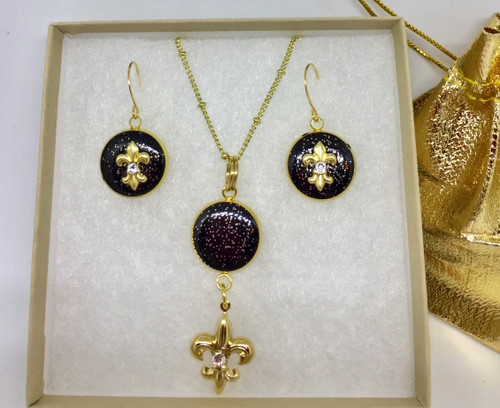 """Judy & Cindy-Black & Gold  Fleur de' Lis  16mm gift set by Brenda Wolfe. Embellished with Gold gilded charms and Swarovski crystals on 18"""" Gold plated chain"""