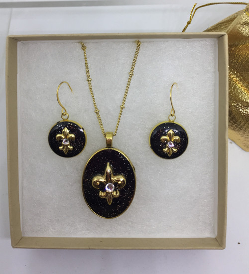 """Cindy 16mm Earring paired with Rhonda 1 1/4 """" Medium size Oval Pendant"""