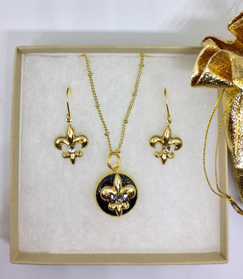 """Laura Earrings & Eve 18mm Necklace on 18"""" Gold plated chain 