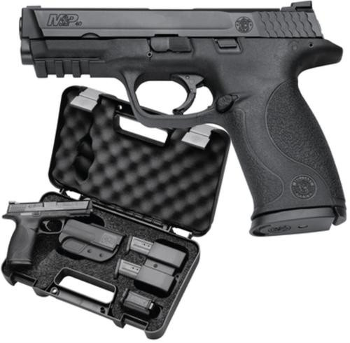 "Smith & Wesson M&P Carry & Range Kit .40 SW, 4.25"" Barrel, 10 lb Trigger Pull, Includes Holster, Mag Pouch, Earplugs, 3x10rd Mags, Speed Loader - MA Compliant"