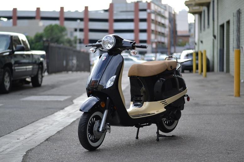 Amigo Avenza-150 2-TONE 150cc Street Legal Scooter, 149.6cc, 4 Stroke, Air Cooled