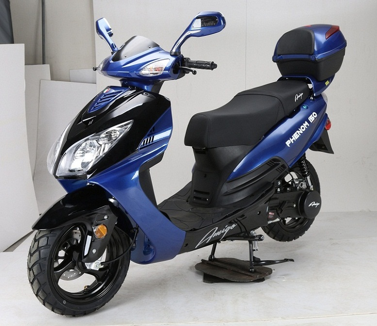 Amigo Phenom 150cc Scooter, 4 stroke, Electric and kick start