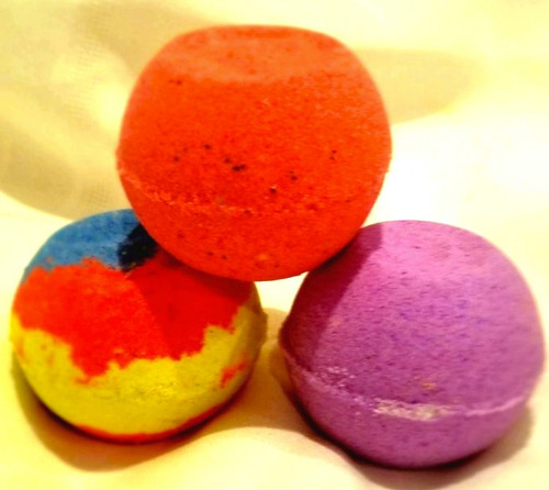 SMALL BATH BOMBS (4.5 oz/each): THREE (3) FOR $10