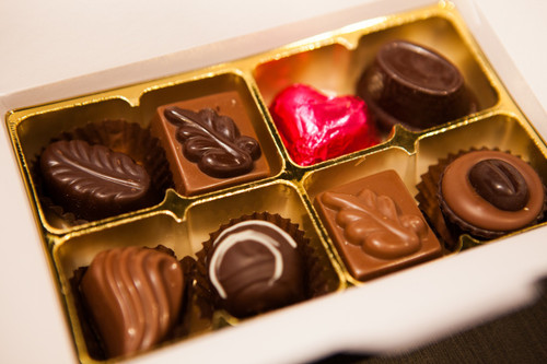 White gift box - 8 chocolates-1 Cerise foiled heart $18.50