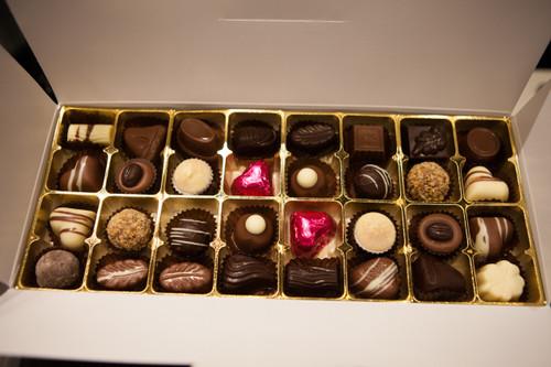 White gift box - 32 chocolates with cerise hearts $67.50