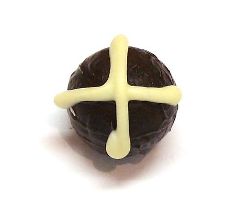 Easter Hot Cross Truffle:Dark-fruity plum & port