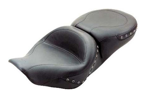 Mustang  One-Piece Touring Seat  for Road King '97-07 -Black Studs