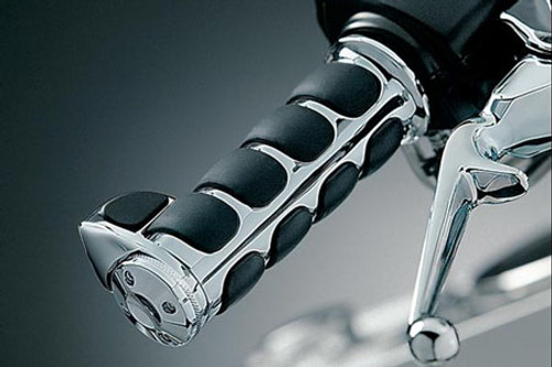 Kuryakyn  ISO-Grips with Throttle Boss for '08-Up Harley Davidson Models w/ Electronic Throttle Control