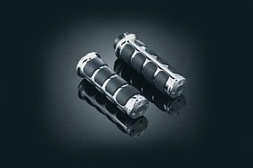 Kuryakyn  Iso-Grips With Chrome Accent Rings for Yamaha Road Star (All Models) '99-up