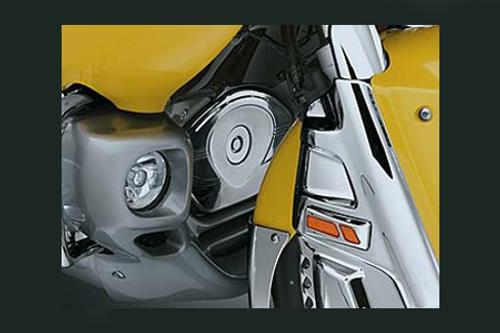 Kuryakyn  Chrome Timing Chain Cover Set for GL1800 '01-10 & '12