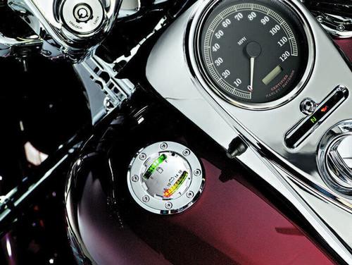 Kuryakyn Informer Fuel & Battery Gauge for  '94-'16 Road Kings, '00-'16 Softails, '91-'16 Dynas. '15-'16 Freewheeler & '88-'94 FXR Models