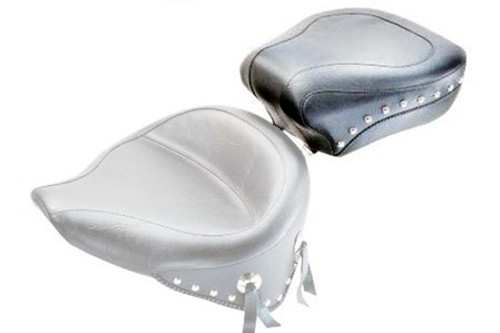 Mustang  Wide Rear Seat for Softail Deluxe '05-15   (w/ Standard Rear Tire)  -Studded  DOES NOT FIT WITH STOCK LUGGAGE RACK