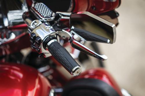 Kuryakyn Hex Grips for '96 to Present Harley Davidson Models ( Chrome or Satin Black)