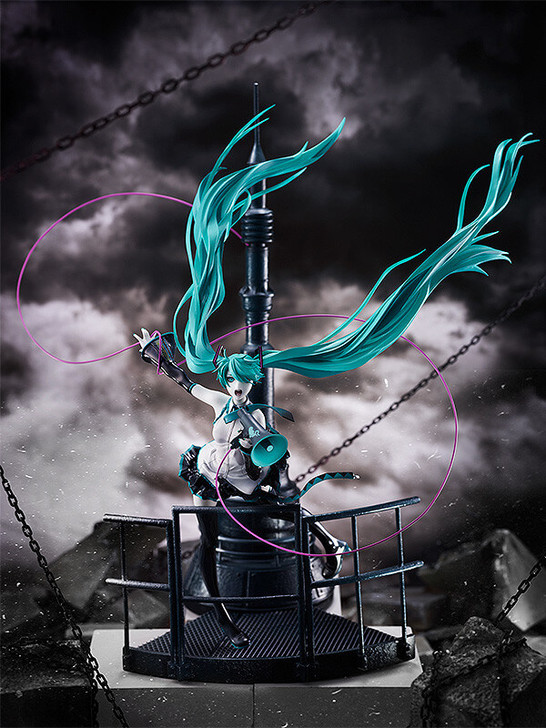 Good Smile Hatsune Miku Love is War Refined Ver. Good Smile Company 20th Anniversary Book Character Vocal Series 01 1/8 Scale Figure