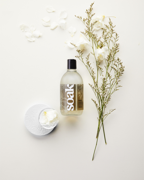 Lacey: Lacey combines spring blossoms with sweet bergamot creating a light yet alluring fragrance.