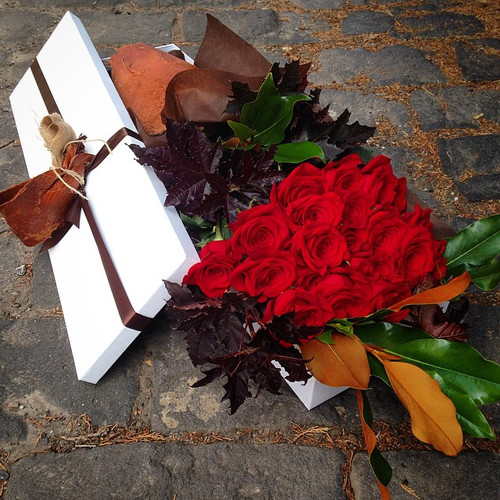Premium Long Stem Red Roses - Gift Boxed
