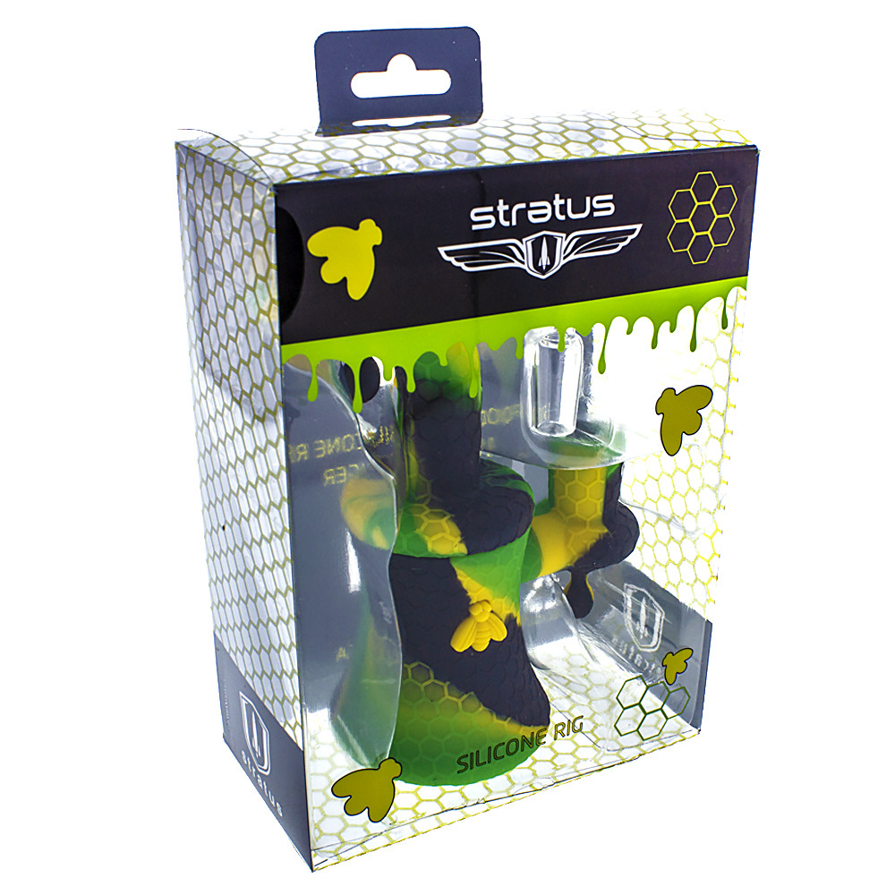 The stratus silicone banger hanger oil rig comes with a male 14mm 90 degree quartz banger and features a honey comb design.