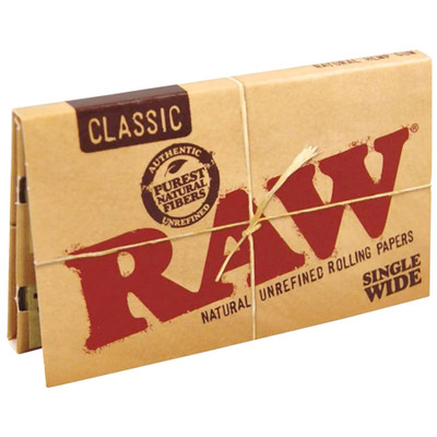 A single pack of Raw Classic Single Wide Double Feed Rolling Papers.