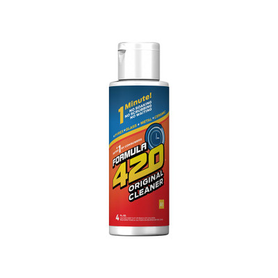 Profile view of this travel size glass cleaner from Formula 420. Standing hardly 5 inches tall this little bottle is the perfect size to take on the go.