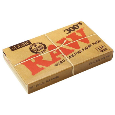 A single pack of Raw 300's Classic 1 1/4 Rolling Papers.