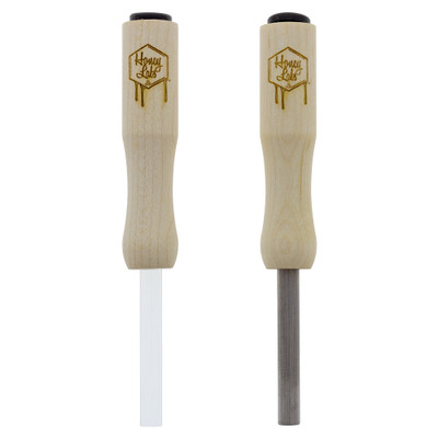 Honey Dabber Mini is available with either a Quartz or Titanium Straw, each pictured here. Each variety has their own strengths and weaknesses, so select your preferred straw from the options list.