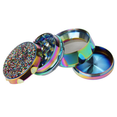4 part grinder that is easy to use .