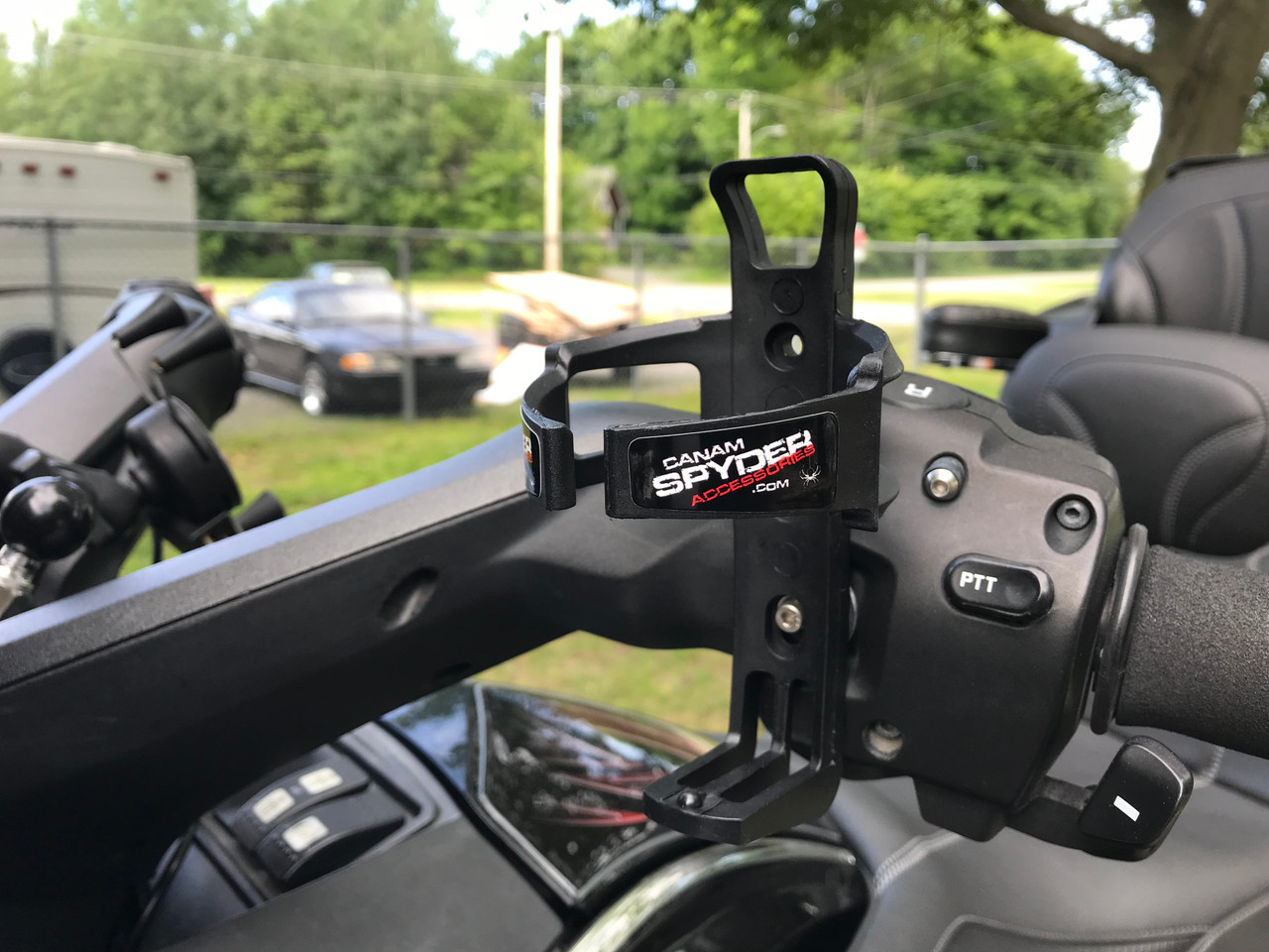 Rider's drink holder - Fits all Spyders ($10 discount)