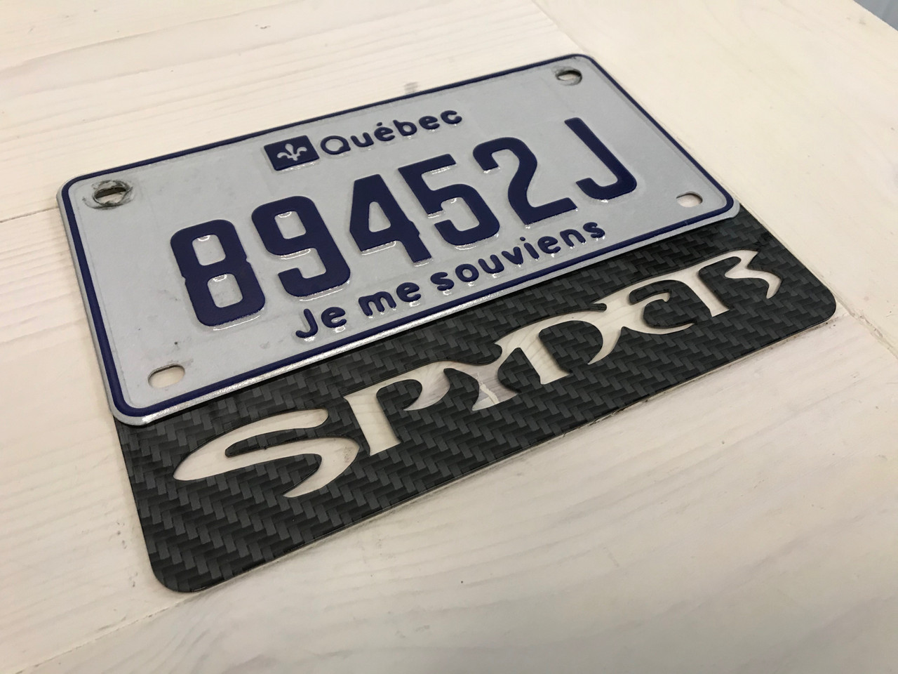 License Plate Frame  Spyder - Black Carbon - 8 x 5.75 inches