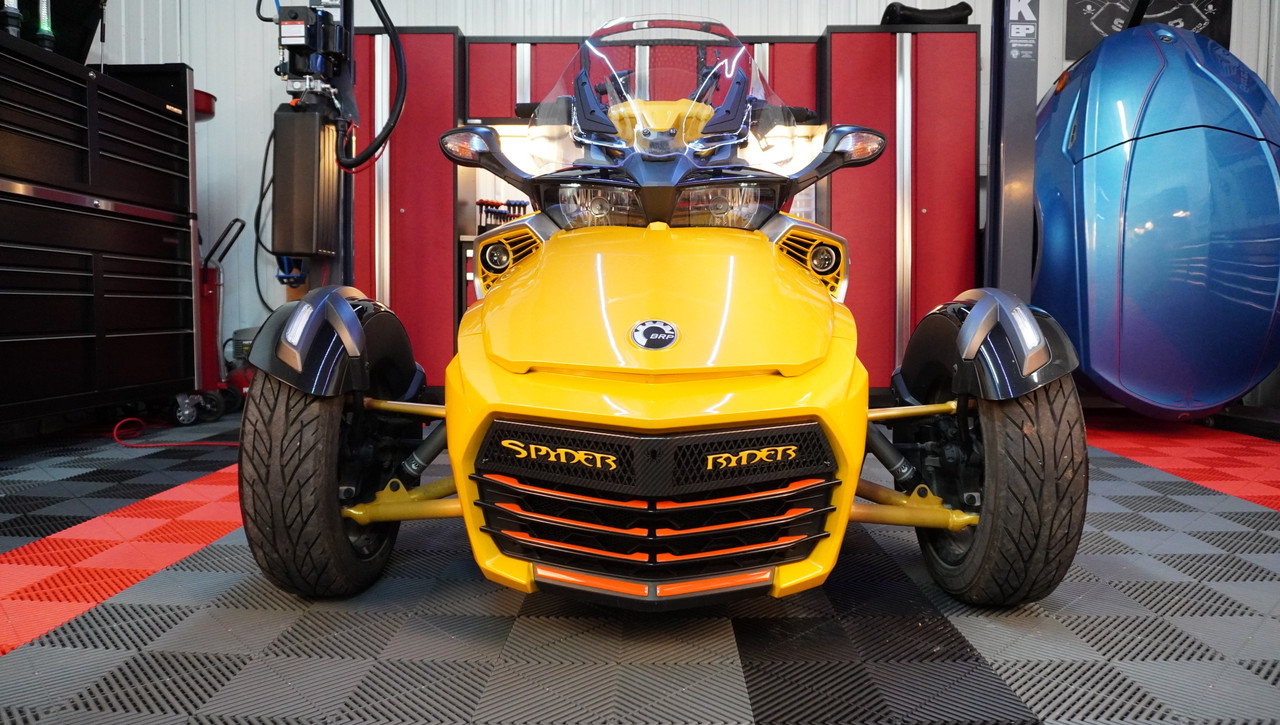 F3 upper front grill Glossy black with Spyder Ryder logo yellow circuit letters and 18 piece red dragon set