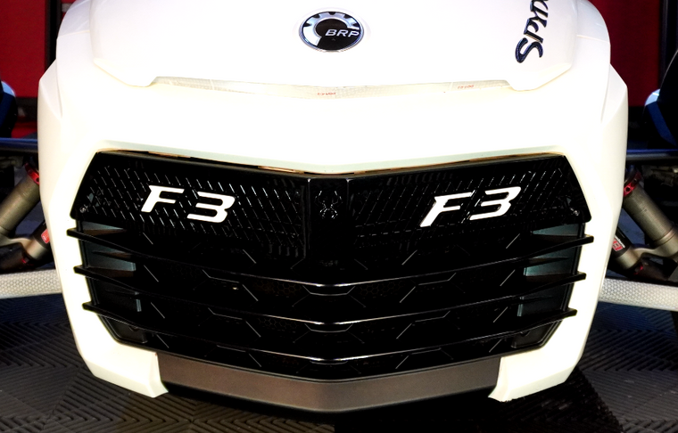 Black upper front grill with white F3 logo