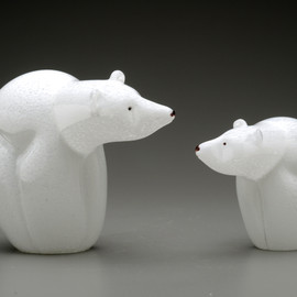 smaller all glass version of the endangered Polar Bear
