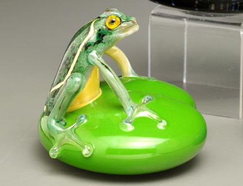 Green Frog on Lily Pad.  Each piece is individually handmade and will vary slightly in color and body position.