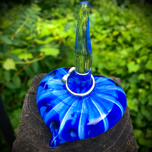 Sapphire Blue Optic Star Heart shape Ringholders offer an elegant way to display your rings and other jewelry.  Great for the bathroom, when taking off jewelry at night, or the kitchen when handling raw meat and cooking.  Three different color options available: Sapphire Blue, Emerald Green, Ruby swirl.  Additional options upon request.