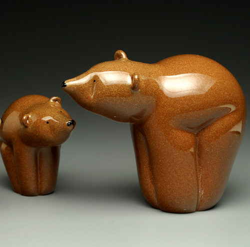 """Majestic all Glass version of Kodiak Brown bear made in Vermont, adult on right 4-5"""""""