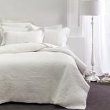 Chantel White Throwover Bedspread Set by Savona