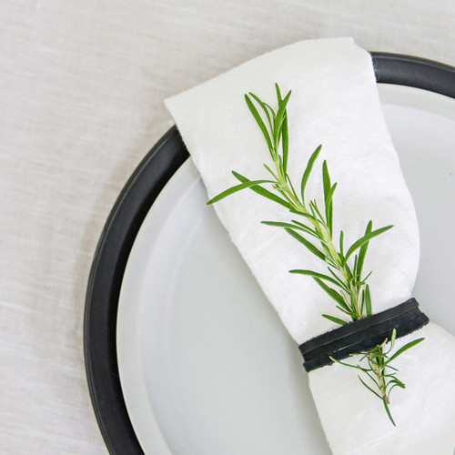 100% Linen Napkin (Set of 4) by Linens and More