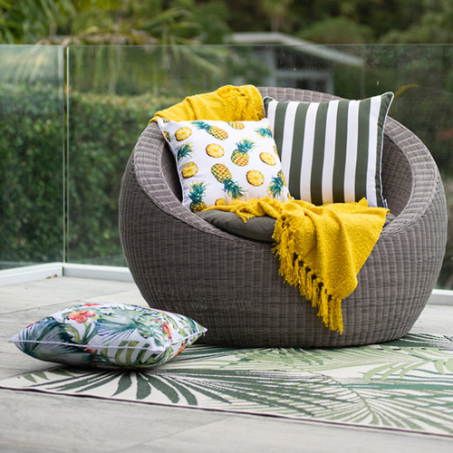 Canopy In & Outdoor Floor Rug by Limon