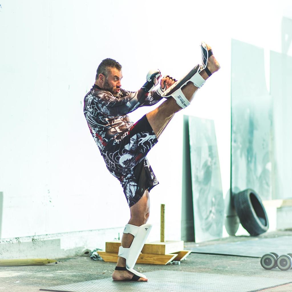 PunchTown Kruris eX MK2 Shin Guards W/B/G