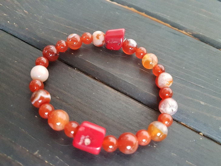 Coral Carnelian and Red Agate Bracelet(M)