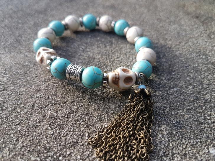 Skull Howlite Stones Bracelet (s)