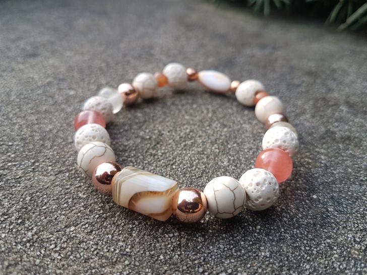 Cherry Quartz Agate & Howlite Bracelet (L)