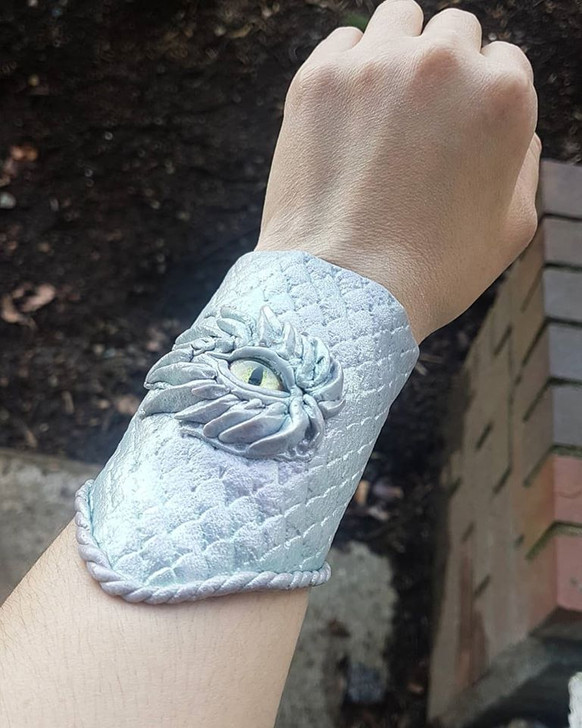 Abalone Bracer Dragon Eye