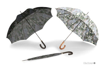 "Ella Doran Camouflage dark - 25"" City Slim Umbrella - group shot"