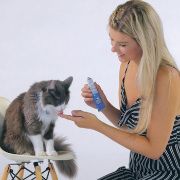 Hairball Control Squeezables Treats For Cats