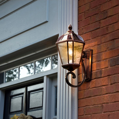 Solar carriage lantern is a Tuscan design wall light that is made from powder coated cast aluminum and glass lenses, with a Warm White LED.