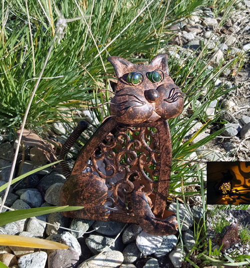 Cat solar light is named Cocoa, and has an Amber LED that lights up through the Swirl Patterned body.