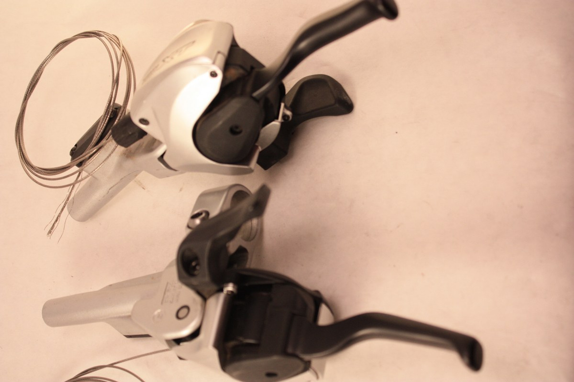 NOS Shimano XT ST-M765 Shifters Hydraulic Disc Brake Levers 9 Speed Dual Control