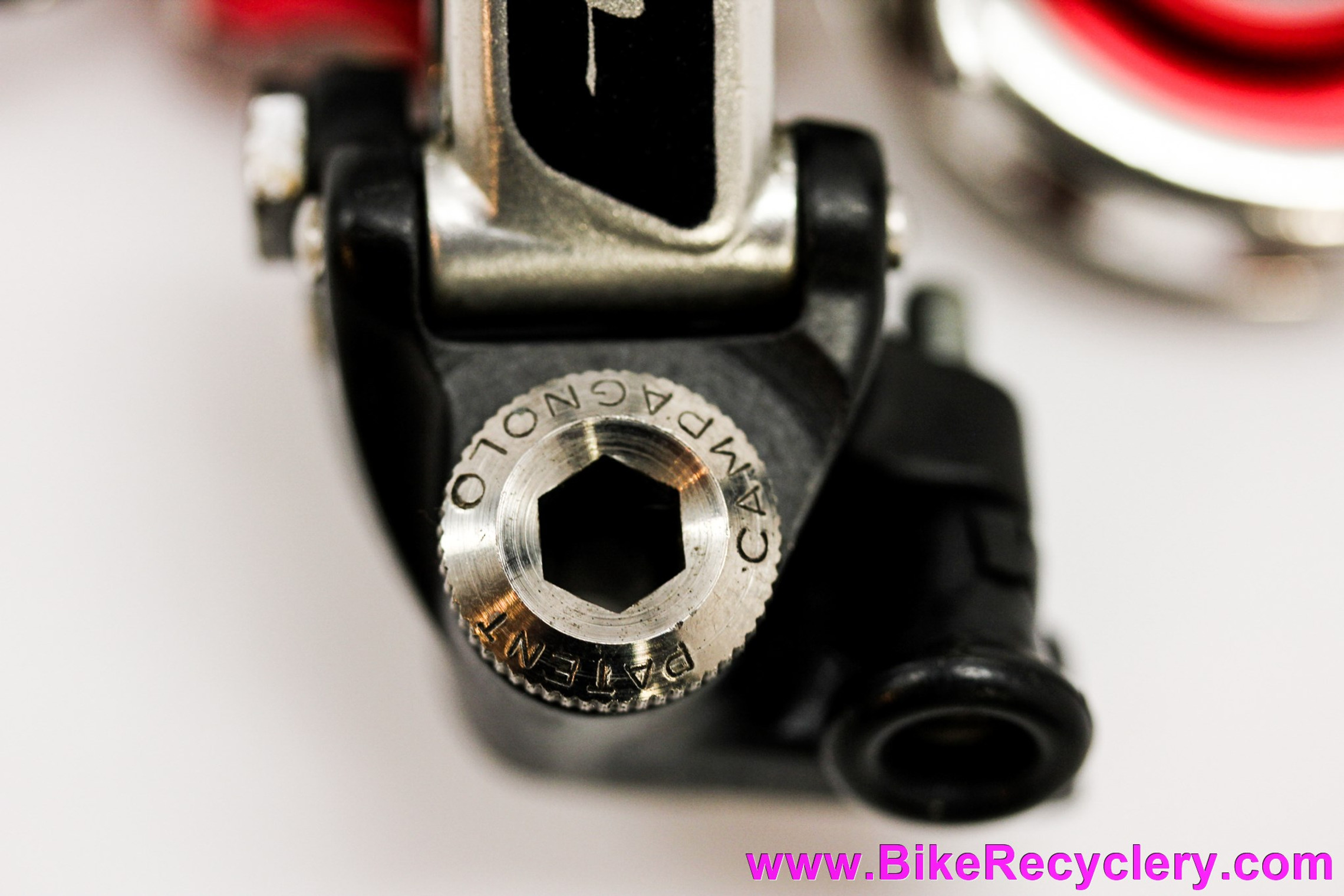 Campagnolo Super Record 4001 Rear Derailleur: Red Bullseye Pulleys - Pat 1981 (MINT+)